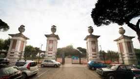 Ingresso monumentale del Parco Virgiliano