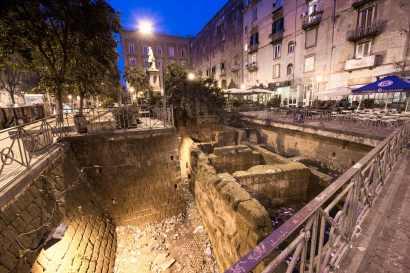 Mura Greche a Piazza Bellini